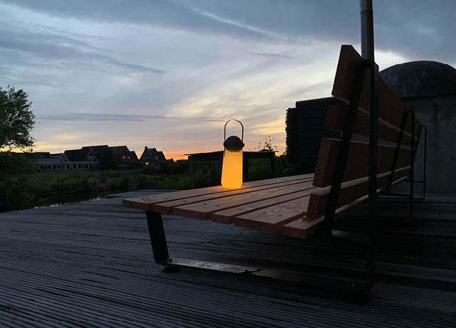 De Stoor-buitenleven -avondzon Gingergrey loungebank